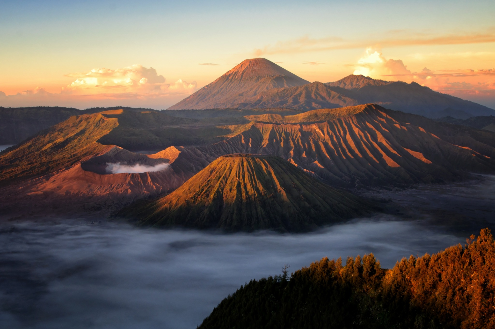 indonesia bromo volcano